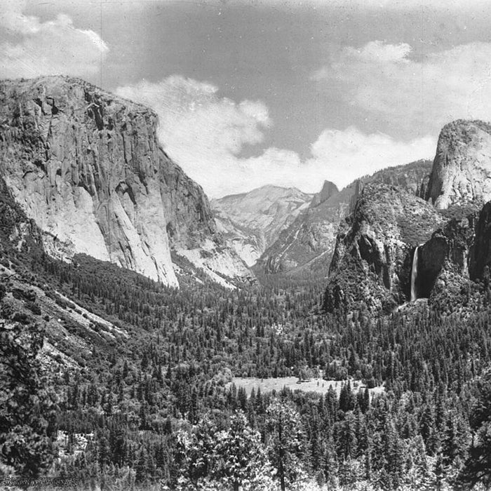 Best For: Quiet Meditation  Though it's unclear if some of the most famous drawings of Yosemite originated from this vantage or somewhere nearby, the spot is enough to induce hysteria in most plein-air artists. The east-facing overlook is a lot less crowded than Tunnel View or Glacier Point, but its panorama is just as marvelous.  To start your hike, leave from Tunnel View and follow the Pohono Trail toward Glacier Point. A short climb and an easy walk along old Stagecoach Road will give you with a quiet view that's often all your own.  From Artist Point, you can continue on the Pohono Trail to several other vistas, including Inspiration and Dewey. If you're looking for a 3,000-foot climb and view of everything Yosemite has to offer, follow the trail to where it ends at Glacier Point.