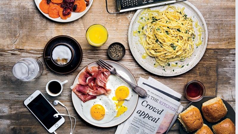 breakfast eggs outside outsidemagzine