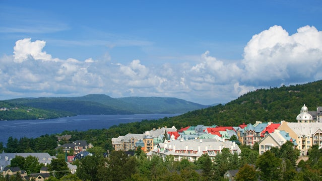 mont tremblant montreal canada skiing resort