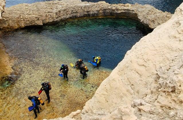 Divers in Malta