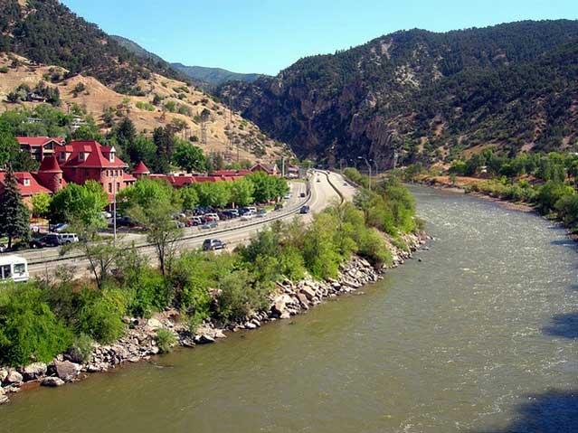 glenwood springs hot springs colorado river