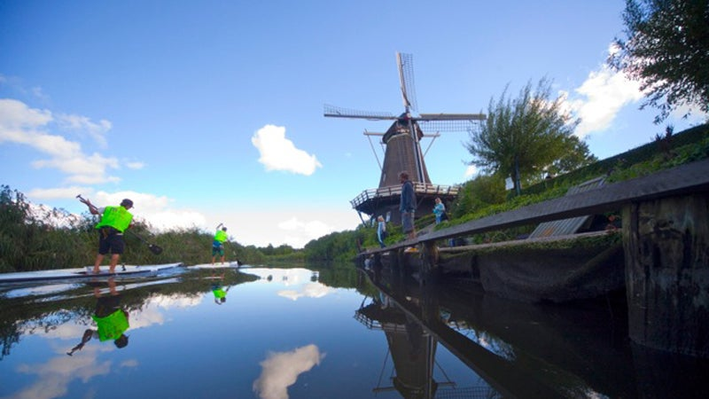 SUP stand-up paddle stand-up paddleboard stand-up paddleboarding ashley biggers travel agent outside magazine outside online escapes netherlands SUP 11-City Tour Anne-Marie Reichman dutch Sloten Workum Franeker Dokkum