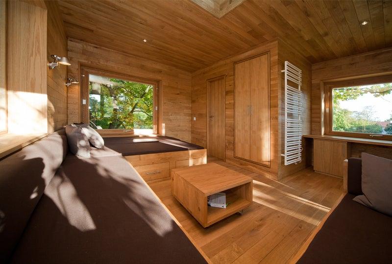 Architektur Baumhaus Natur Kupfer treppe Baumstamm Eiche Terrasse Wald