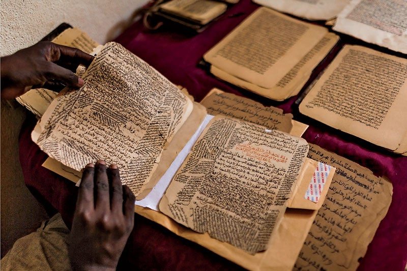 Mali Bamako Timbuktu Mopti Niger river election pooling station vote market people landscape manuscript library books mosque travel village boat