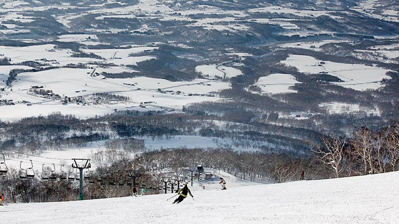 Panorama from Niseko Hirafu Ski resort.