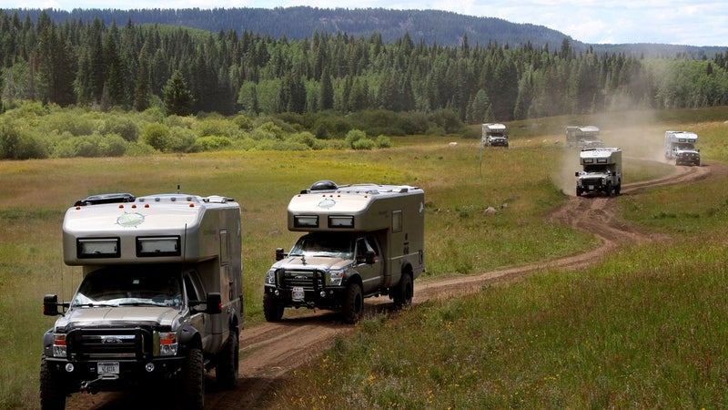 OutsideOnline shelter EarthRoamer XV-LT Lamborghini off-road campers car camping Ritz-Carlton $280 000 vehicle RV truck hotel merged chassis heavy-duty luxury stainless-steel solar-panel array heating air condition king-size bed line ride trucks road dirt