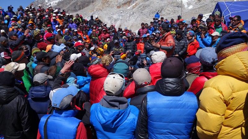 Everest Sherpas Season Down Avalanche