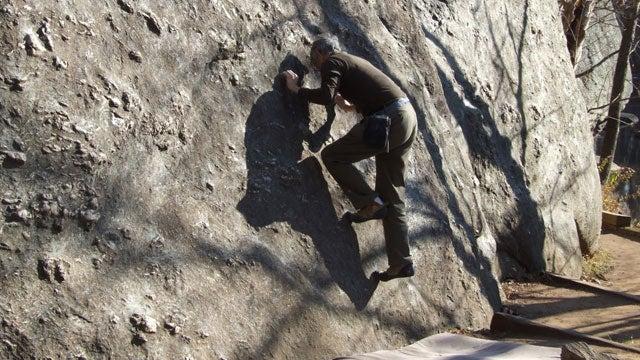 Geoff Farrar bouldering Carderock