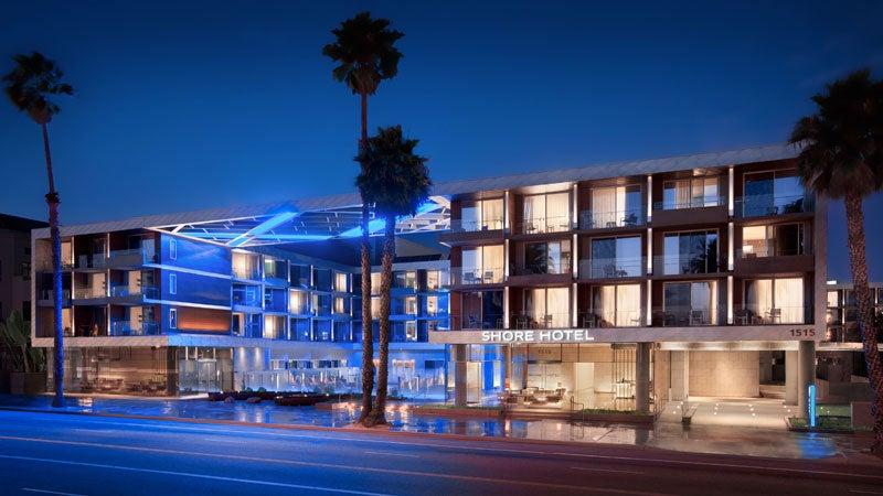La Shore Hotel Los Angeles Blue night ready for launch