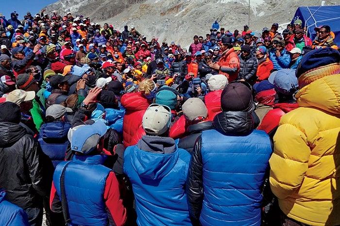 black year, grayson schaffer, sherpas, avalanche, mount everest, nepal, tragedy, mountaineering, adrian ballinger, base camp talks, alpenglow expeditions