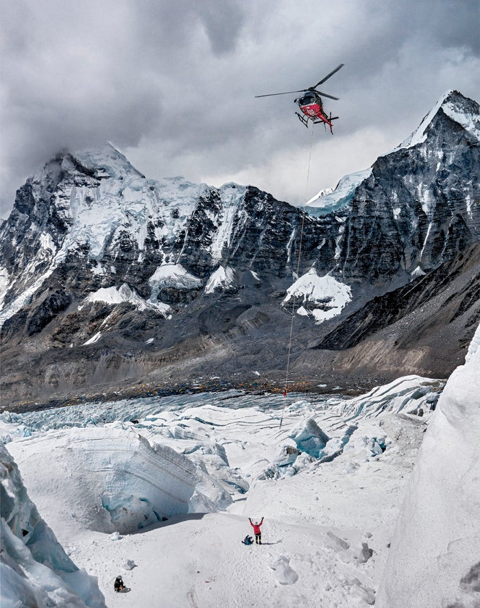 black year, grayson schaffer, sherpas, avalanche, mount everest, nepal, tragedy, mountaineering, rescue, helicopter