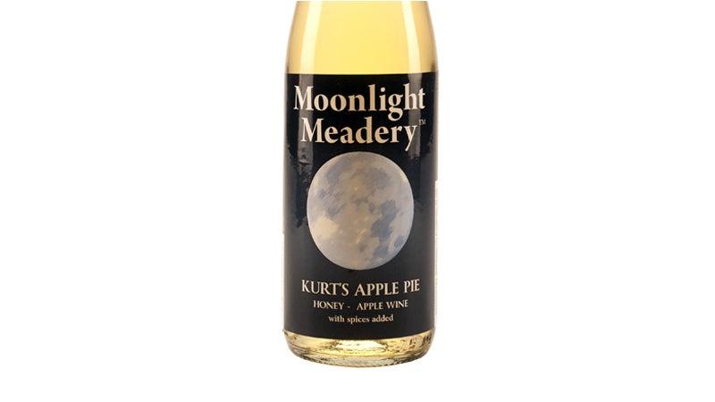 OutsideOnline Moonlight mead meadery make mine nectar bee honey norsemen drink Kurt's Apple Pie