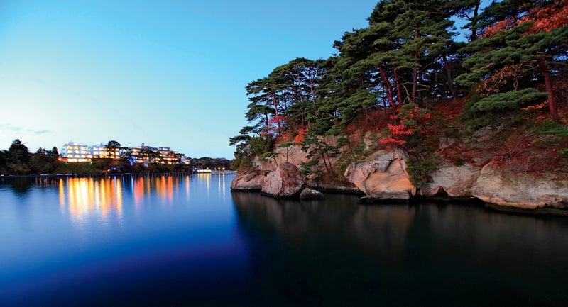 itsukushima shrine japan travel outside
