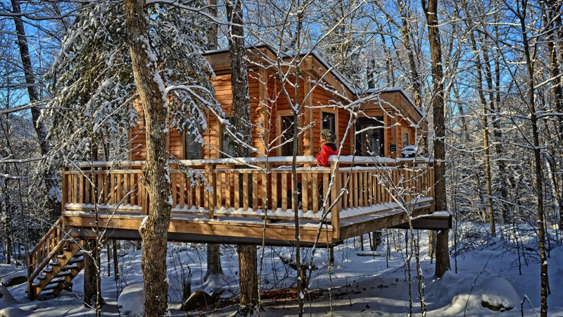 les refuges perches treehouses travel winter outside
