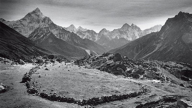 Near Everest monuments to Scott Fischer and