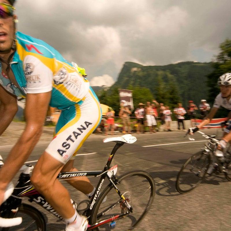 alberto contador andy schleck cycling tour de france