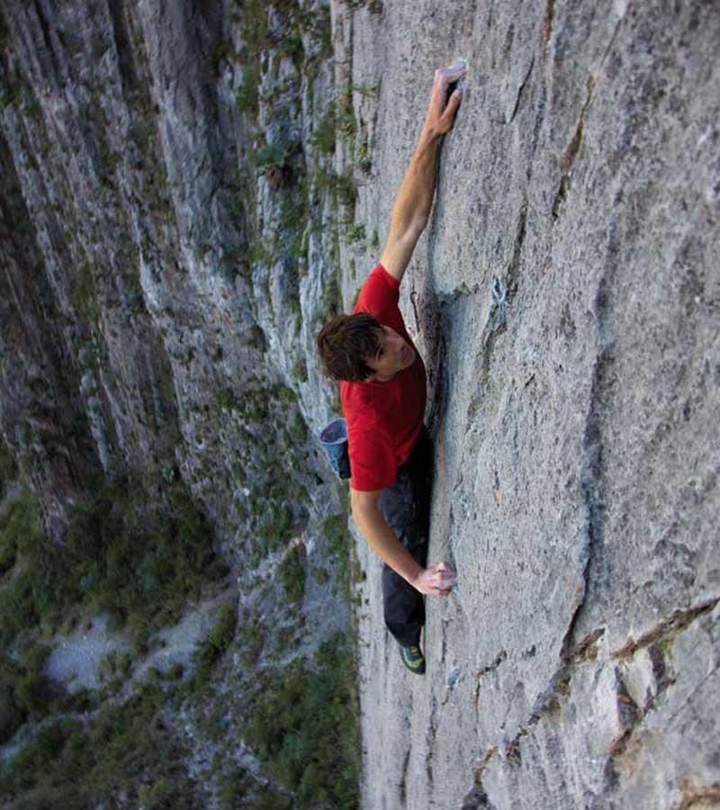 alex honnold north face El Sendero Luminoso El Potrero Chico mexico climb climbing