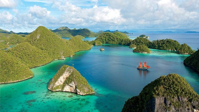 Pulau Wayag Islands Indonesia travel