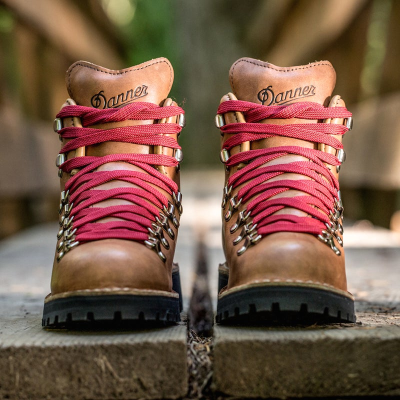 danner mountain light cascade wild reese witherspoon hiking boots cheryl strayed