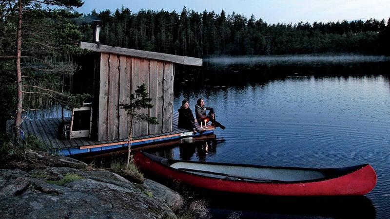 Kolarbyn's sauna on Skärsjön lake.