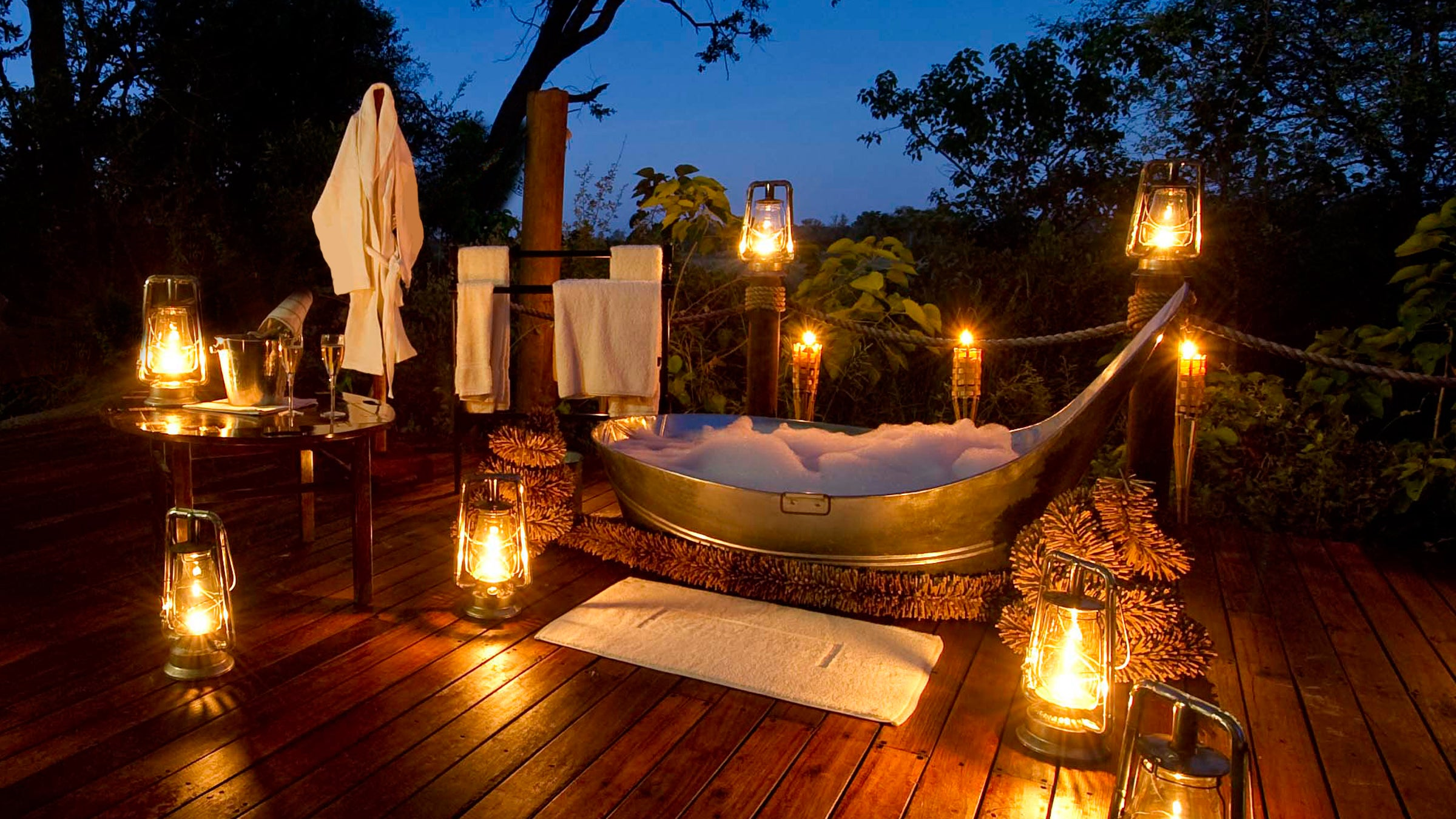 The World S Best Outdoor Bathtubs Outside Online